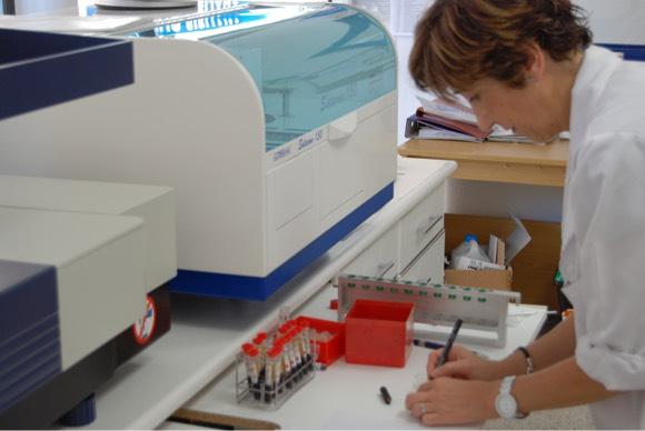 experiencia análisis clínicos CIMAR